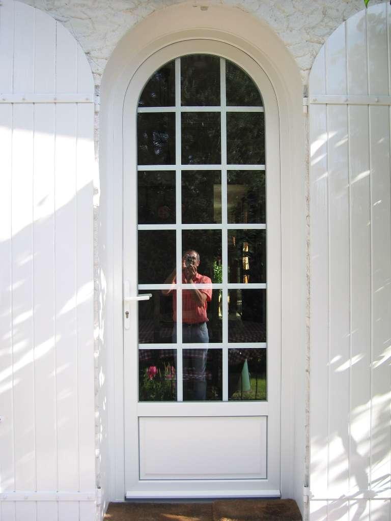 Porte-PVC-le-Mans-Clôtures-et-Fermetures-d'Andaine